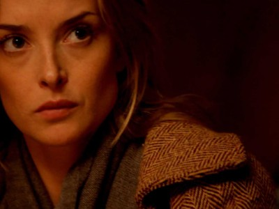Emily Foxler in Coherence